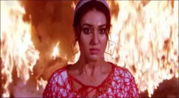 Kothin Protishodh - Burning Apu Biswas, rescued by Shakib Khan